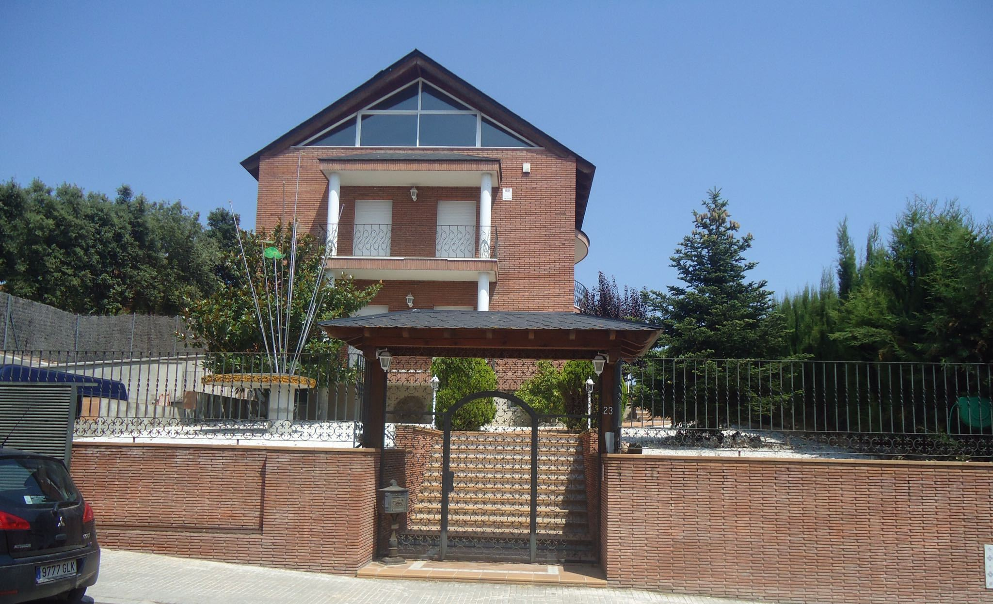 Inmobiliaria familiar con 15 a os de experiencia en el sector for Pisos alquiler vilapicina